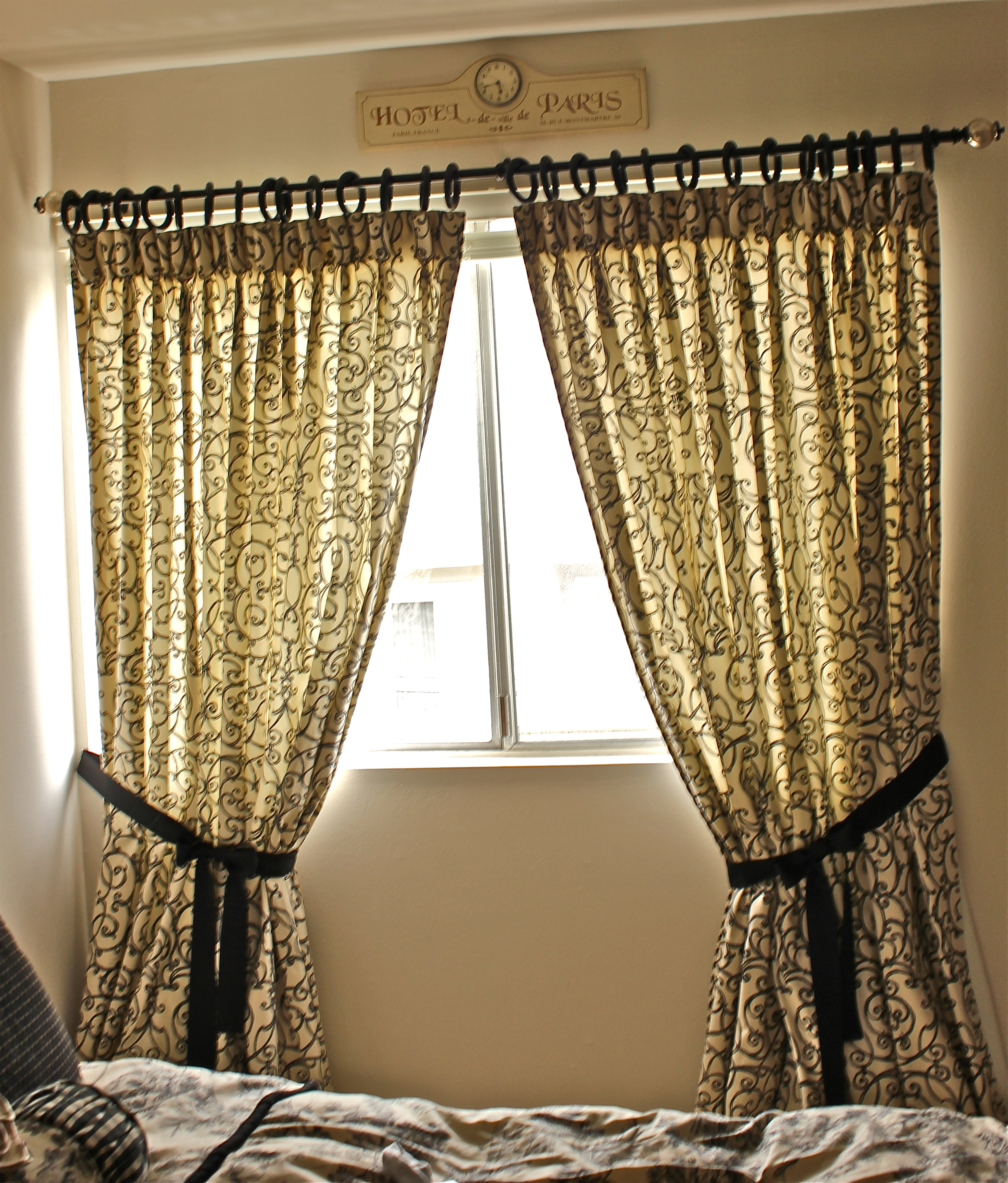 all tied up wish i were a housewife. Black Bedroom Furniture Sets. Home Design Ideas
