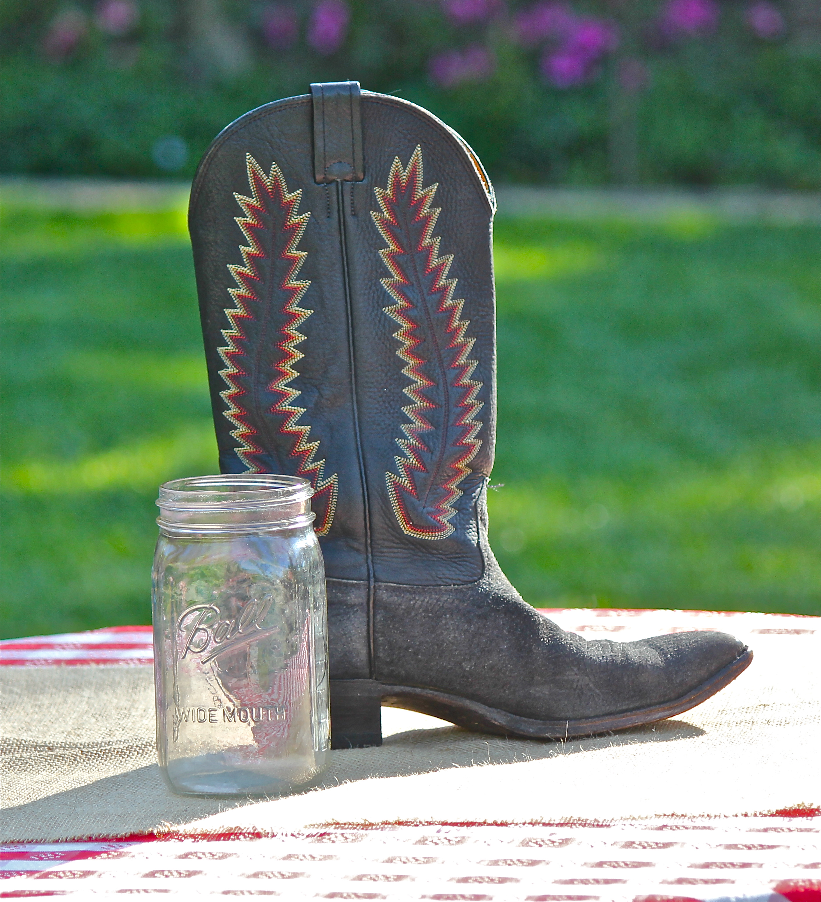 Cowboy boot wish i were a housewife all you have to do is place a regular glass jar or vase inside a cowboy boot floridaeventfo Images
